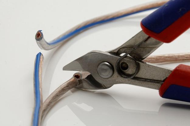 pliers-1031982_640